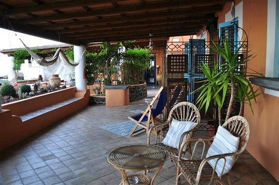 Hotel Mamma Santina: Patio