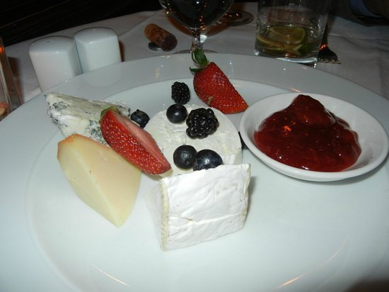 Prince of Wales: cheese platter