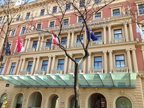 Palais Hansen Kempinski Vienna:                                                       Front view