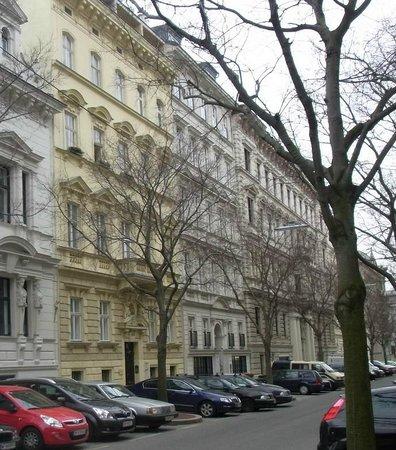 Hotel SPIESS & SPIESS Appartement-Pension: Haupthaus Strassensicht