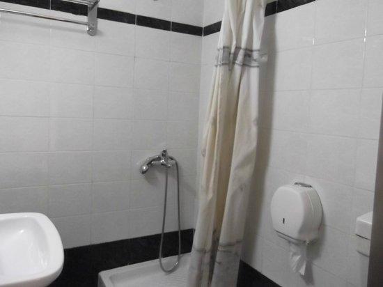 Aegeon Hotel:                   slightly dainty bathroom