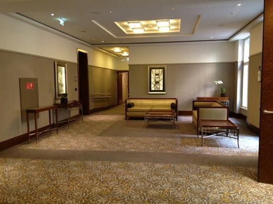 Palais Hansen Kempinski Vienna:                                                       Lift lobby 1st floor