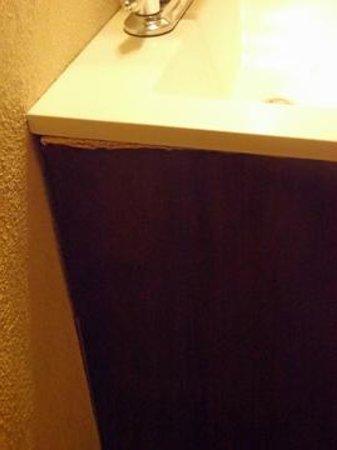 """Las Palomas Inn Santa Fe: Pressboard vanity warping - this is not """"luxury"""""""