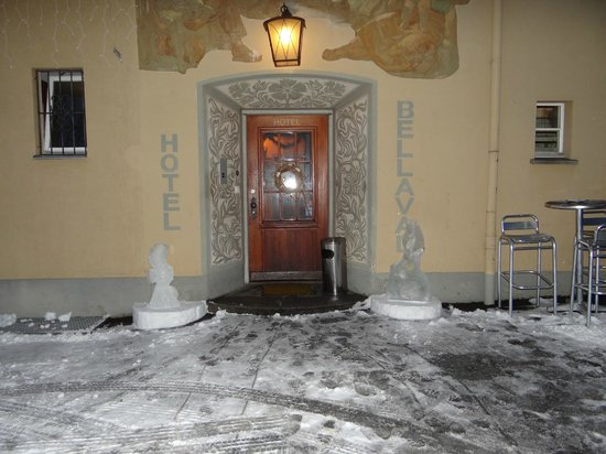 Hotel Bellaval: the entry gate