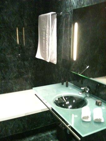 AC Hotel A Coruna: Baño