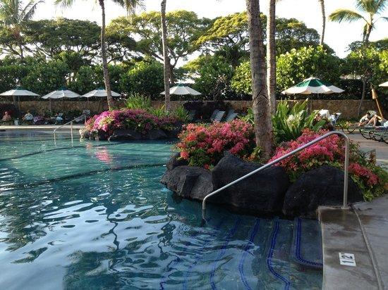 Marriott Ko Olina Beach Club: One of several pools...