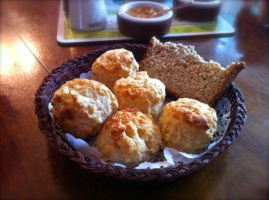Walking and Talking in Donegal: Unsere tägliche Dosis hausgemachte Scones!
