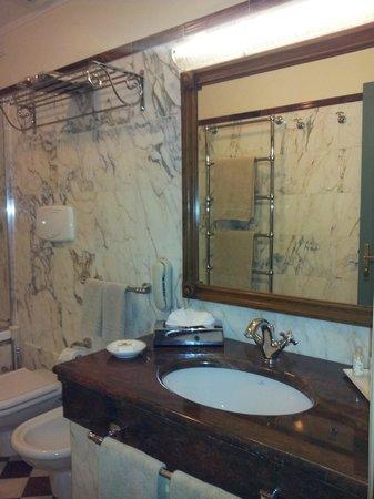 Hotel Mulino di Firenze: Bad