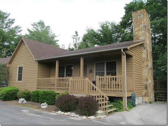Townsend View Rentals: Front of Cabin
