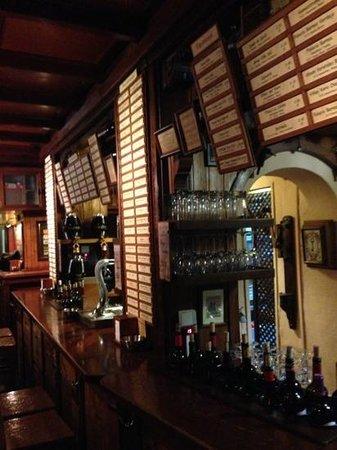 Casa de Vinos La Brujidera