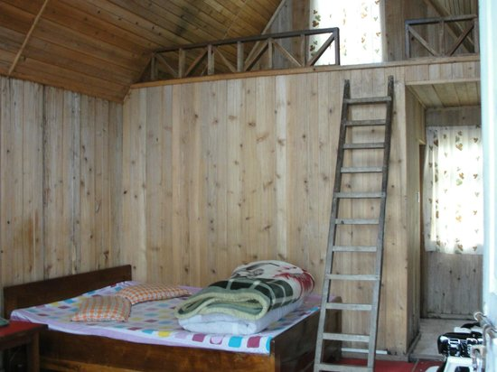 Neora Valley Resort: Inside the Cottage