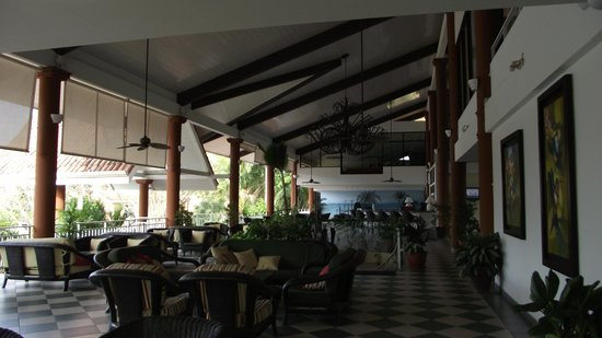 Occidental Tamarindo: common area...