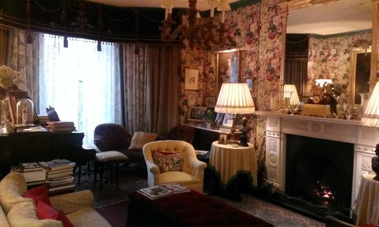 The Victorian Bed and Breakfast: Lounge with open fire.