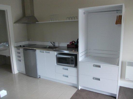 Highfield Mews, Oamaru: Kitchen
