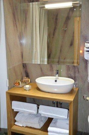 Hotel Vardar: baño