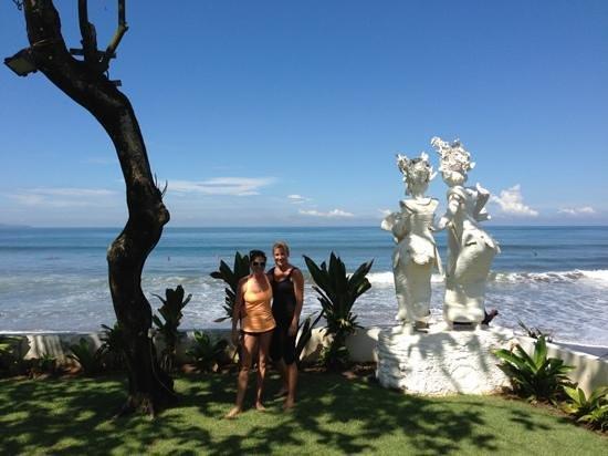 Legong Keraton Beach Hotel: perfect beach front