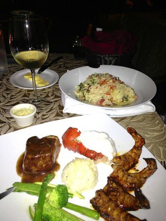 Cabo Winery Restaurant at Los Cabos Winery: Wish this meal was worth the money