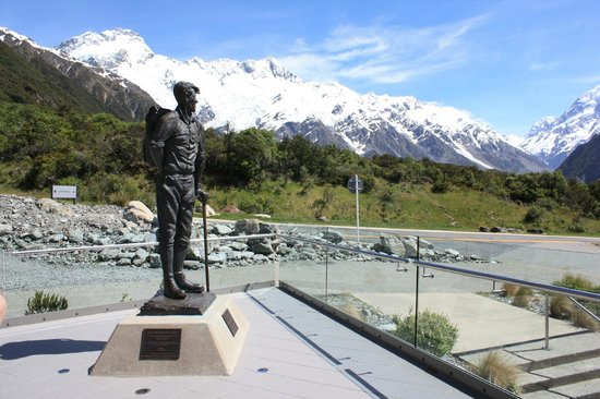 The Hermitage Hotel: Sir Edmund Hilary cafe balcony
