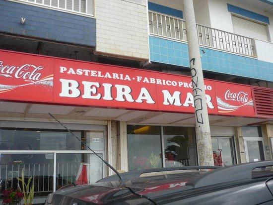 Pastelaria Beira Mar: Outside