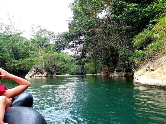 Reggie's Tours: Beautiful turquoise river water