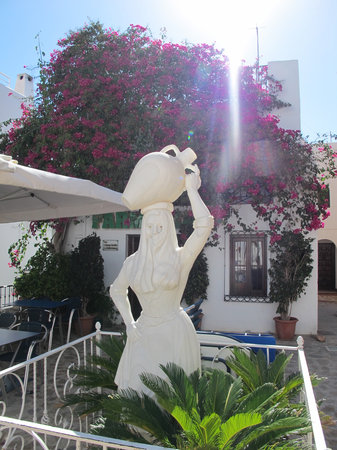 Mojacar, Spanien:                   Church Square
