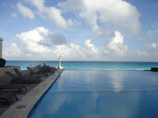 Apartamentos Cancun Plaza: gran experiencia y alberca!!