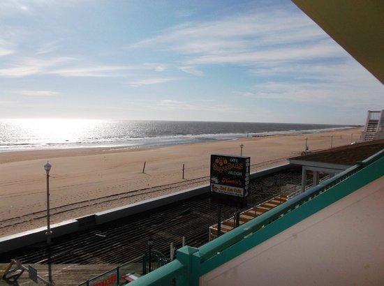Howard Johnson Plaza Hotel - Ocean City Oceanfront : Looking towards (repaired) boardwalk/inlet from top floor