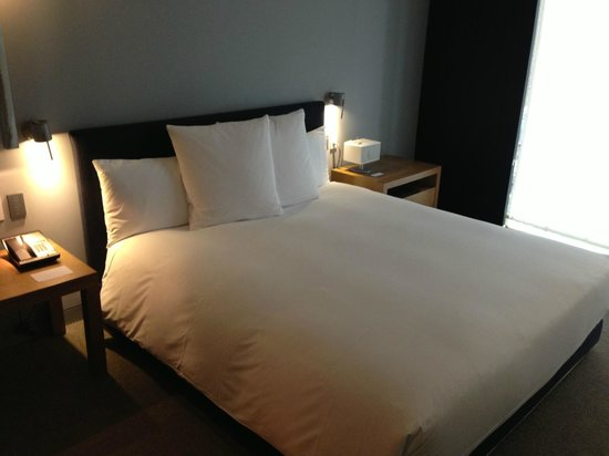 Andaz 5th Avenue: Very Comfortable Bed