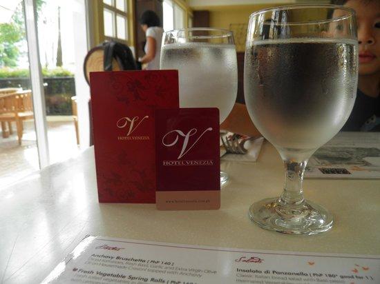 Hotel Venezia:                                     Cafe San Marco