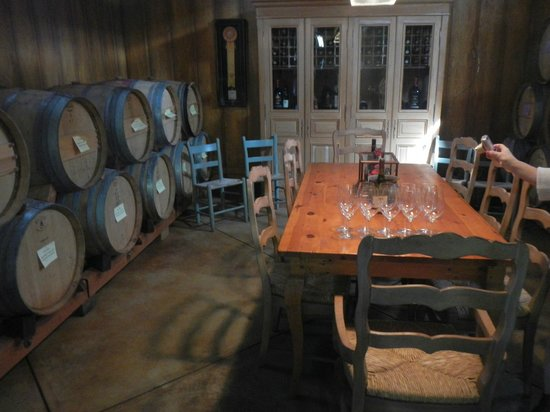 Platypus Wine Tours: Tasting room at Tudal Family Winery