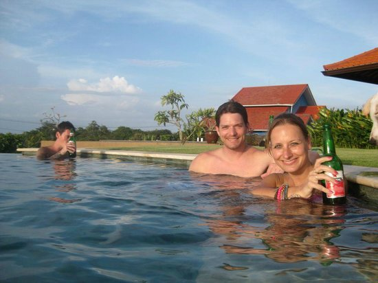 Three Monkeys Villas: at the pool