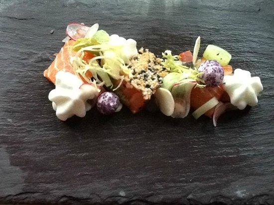 Kruisherenrestaurant: Sashimi style salmon