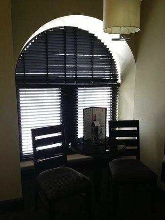 Le Place d'Armes Hotel & Suites : Sitting Area