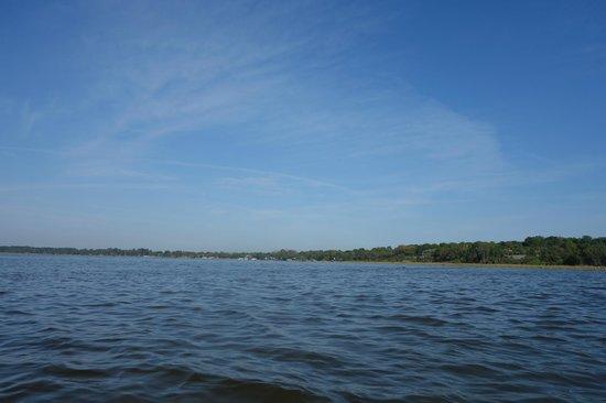 CraigCat Tours: Cruising across Lake Dora