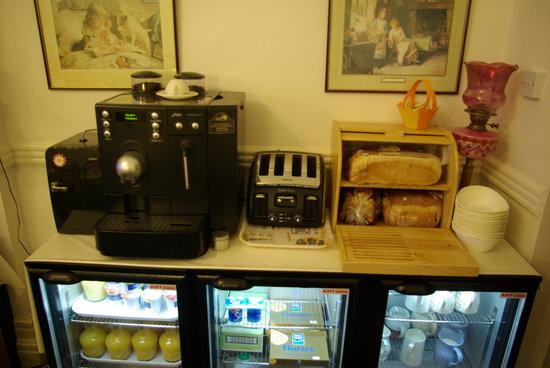 Menai Bank Hotel: Freshly Ground Coffee/Cappuccino/Latte