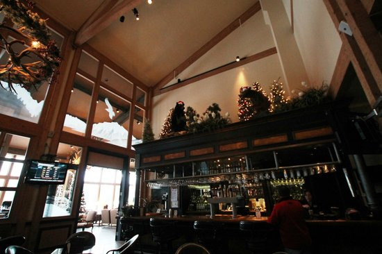Grouse Mountain Lodge: Bar