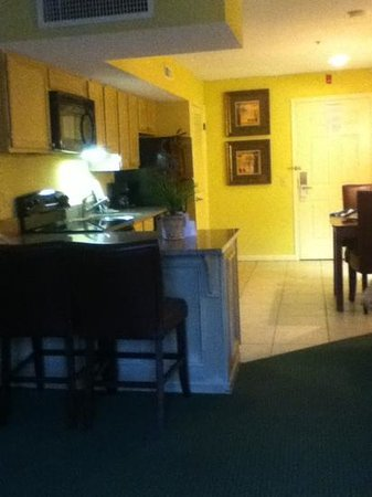 Park Lane Hotel and Suites: entry, kitchenette