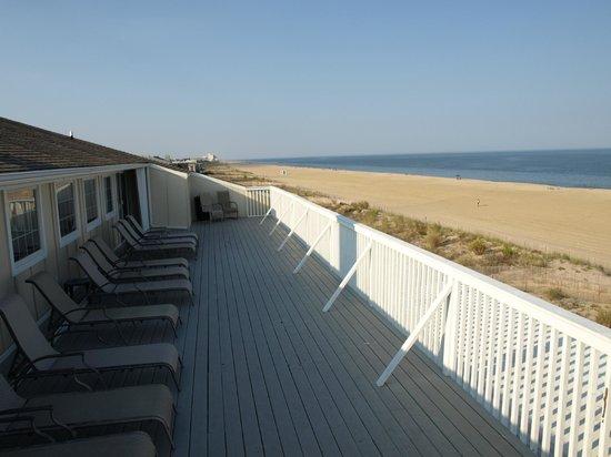 Atlantic View Hotel : 4th Floor Deck