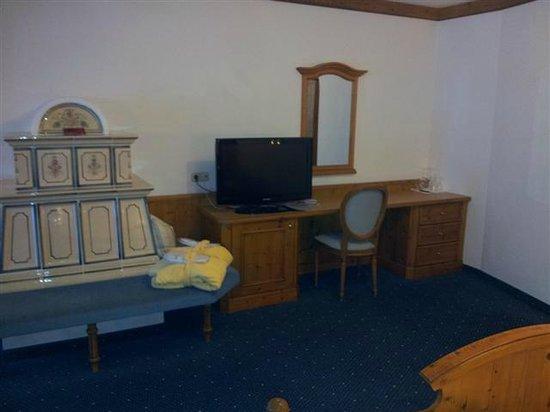 Hotel Peternhof: Zimmer, Schreibtisch