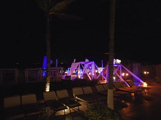 The Royal Playa del Carmen: A wedding night set up