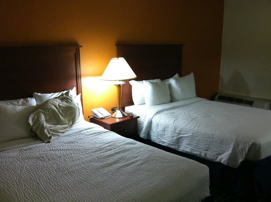 Days Inn Florence Near Civic Center: Room beds