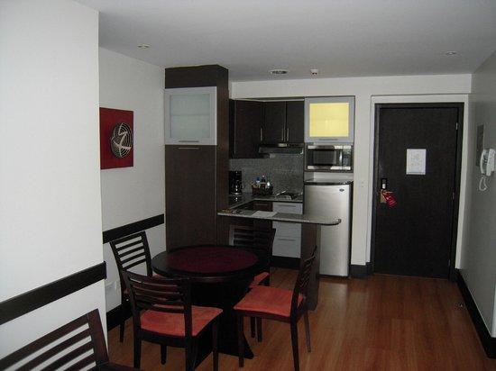 Lugano Hotel: Good size kitchen
