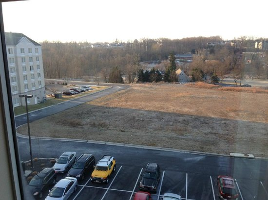 Hampton Inn Owings Mills: 5th Floor View