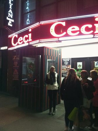 Ceci Italian Cuisine: Cold night, warm food, yummy.