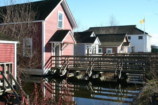 Steveston Heritage Fishing Village: Stilt houses, Britannia Shipyards