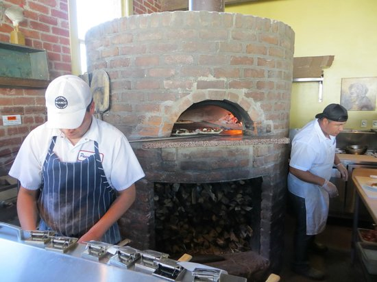 Pizzeria Bianco: Did i say they use a wood fired oven?