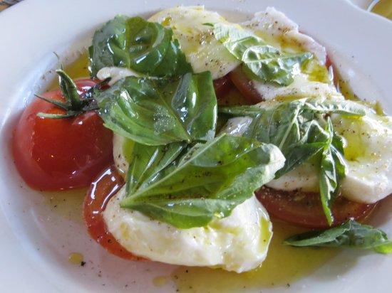 Pizzeria Bianco: caprese salad