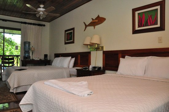Crocodile Bay Resort:                   our room