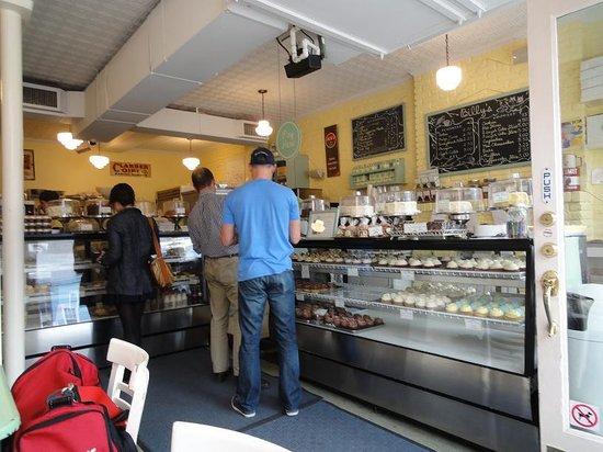 Billy's Bakery: Billy's - Interior