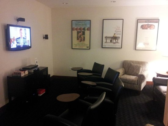 Homewood Suites Atlanta I-85-Lawrenceville-Duluth: Media Room off Dining Room